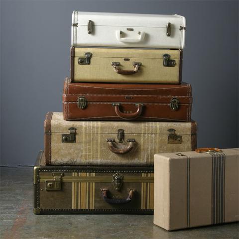 vintage_suitcases_large