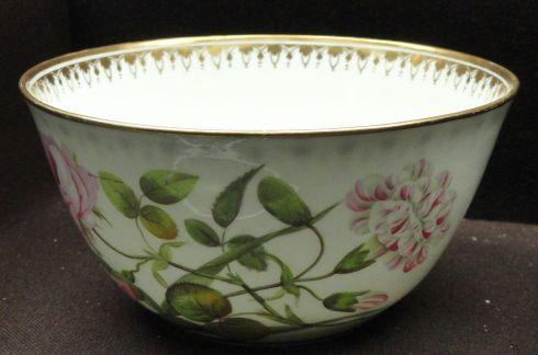 1280px-waste_bowl_c-_1812-1815_minton_bone_china_overglaze_enamels_gilding_-_gardiner_museum_toronto_-_dsc00786